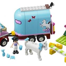 Lego Friends 3186 Emmin přívěs pro koně sestaveno