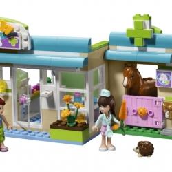 Lego Friends 3188 Veterinární klinika v Heartlake sestaveno