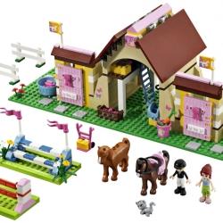 Lego Friends 3189 Stáje v Heartlake sestaveno