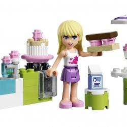 Lego Friends 3930 Stephanie v pekařském stánku sestaveno