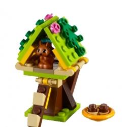 Lego Friends 41017 Domek na stromě pro veverku sestaveno