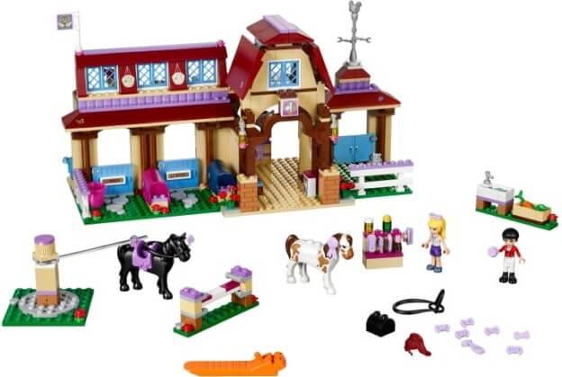 LEGO Friends 41126 Jezdecký klub vHeartlake sestaveno