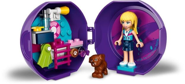 LEGO Friends 853778 Stephanie a její příslušenství k bazénu sestaveno