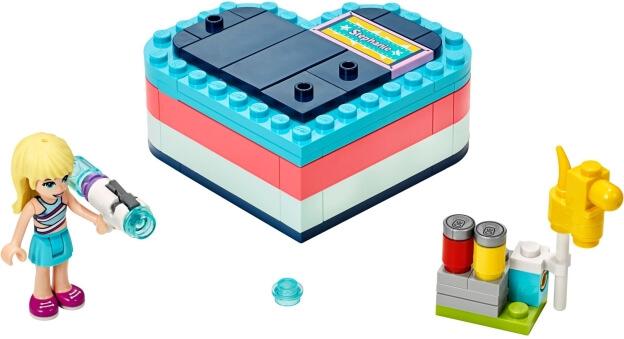 LEGO Friends 41386 Stephanie a letní srdcová krabička sestaveno