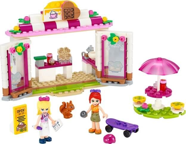 LEGO Friends 41426 Kavárna v parku městečka Heartlake sestaveno