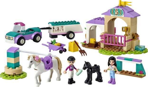 LEGO Friends 41441 Auto s přívěsem a výcvik koníka sestaveno