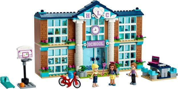 LEGO Friends 41682 Škola v městečku Heartlake sestaveno