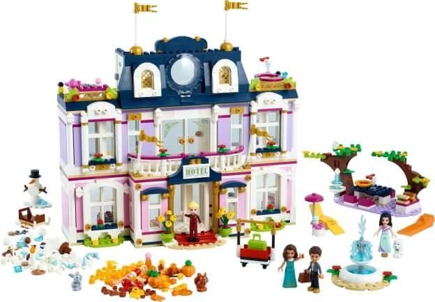 LEGO Friends 41684 Hotel v městečku Heartlake sestaveno